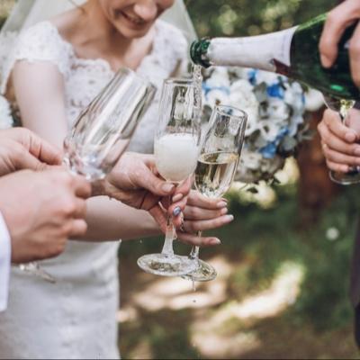 8 wedding wine trends 2020