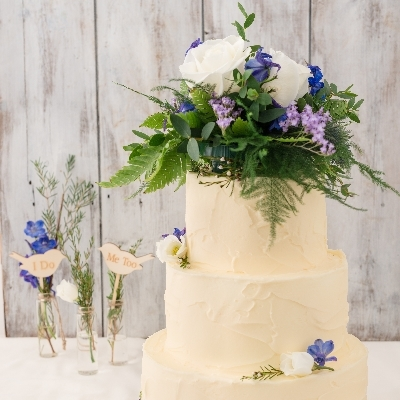 Vegan-friendly wedding cake? Ruby's of London has you covered