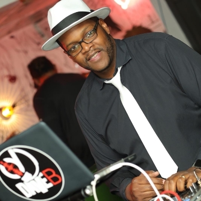 The new Saturday night? London wedding DJ brings the dance floor to you