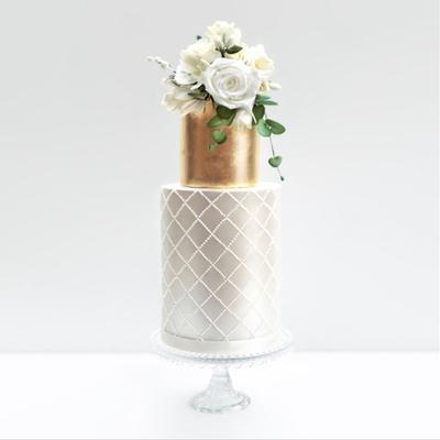 Meet Laura of London cake designer Deluce Cakes