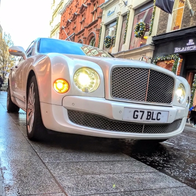 We get top tips on booking your wedding transport with London's Fox Limousines