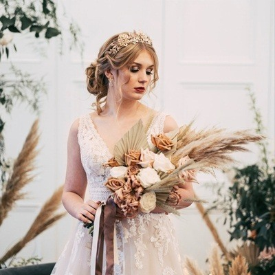 Floral trends for micro-weddings – with Harley's Flowers