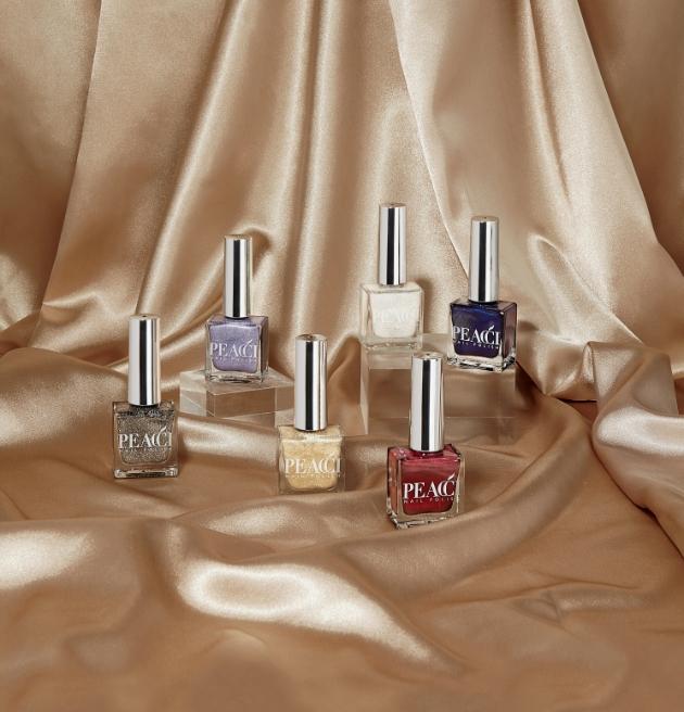 Peacci Christmas collection of nail polishes