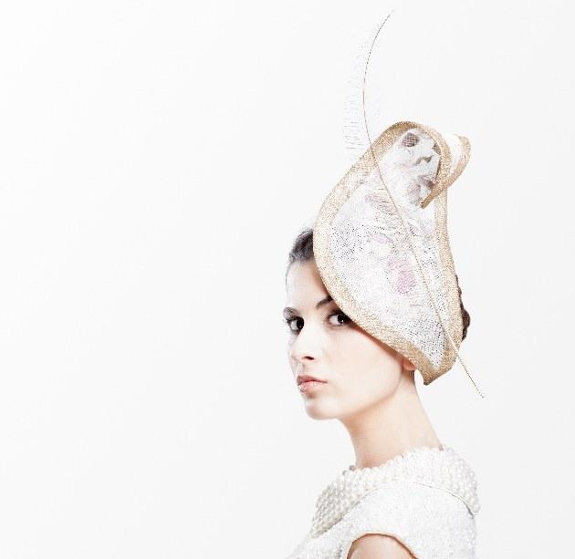 Bride wear fascinator by Katherine Elizabeth Millinery